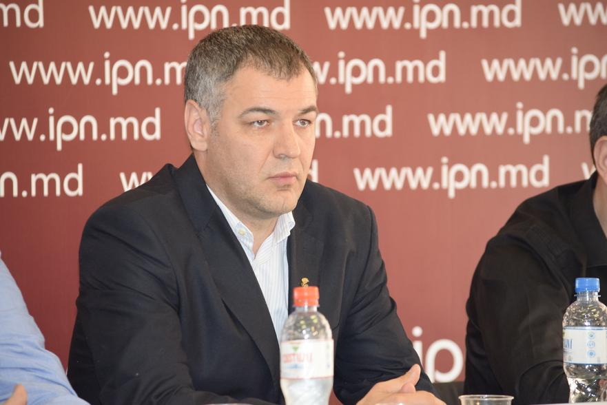 Octavian Ţîcu, istoric