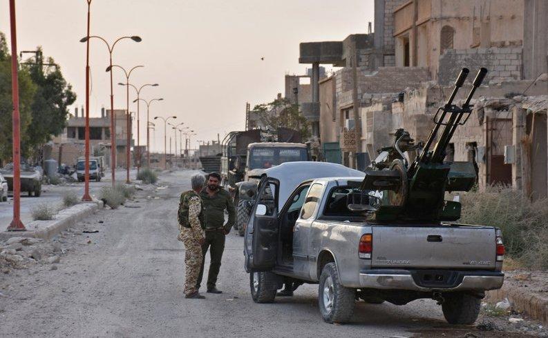 Soldaţi guvernamentali sirieni în Kobajjep, aproximativ 40 km vest de Deir Ezzor, 5 septembrie 2017.