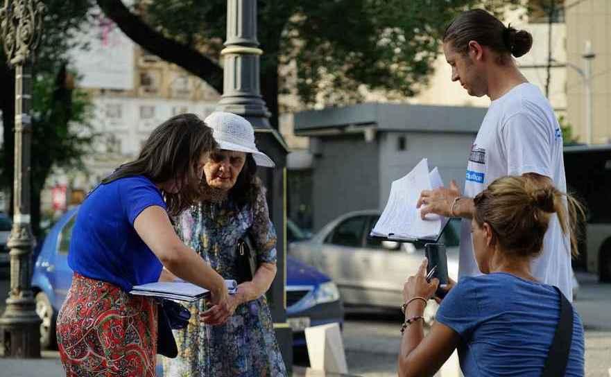 Farmaciştii strâng semnături pentru iniţiativa Fără Penali în funcţii publice