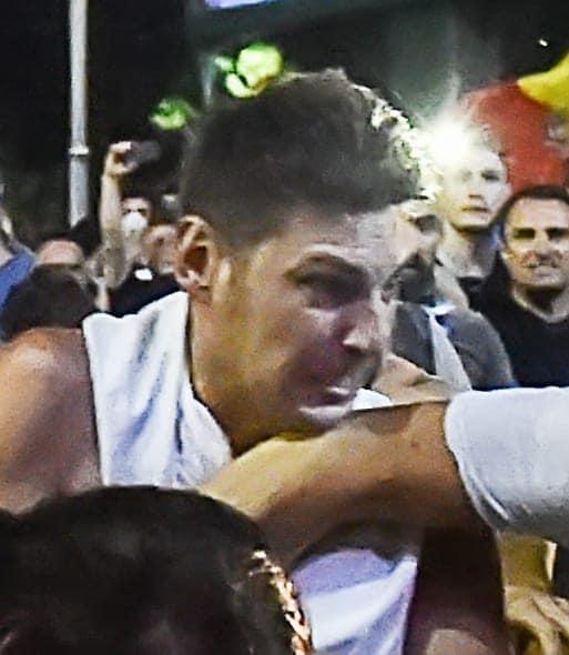 Unul din suspecţii care i-ar fi lovit pe cei doi jandarmi la mitingul de vineri din Piaţa Victoriei