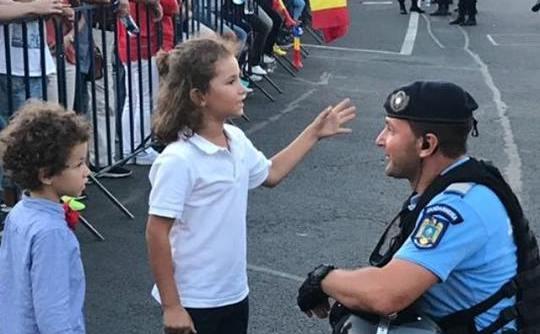 Jandarmi şi copii