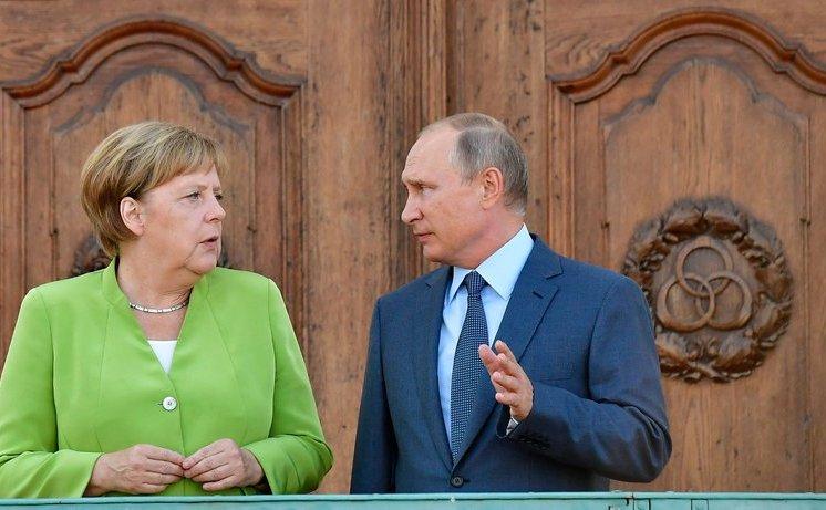 Angela Merkel, Vladimir Putin, Mesenberg