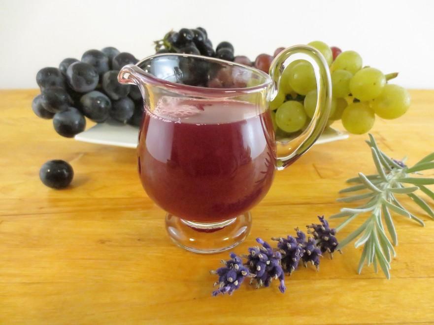 Suc de struguri cu aromă de lavandă