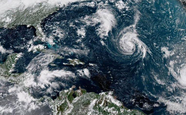 Imagine de satelit furnizată de NOAA arată centrul uraganului Florence în Oceanul Atlantic, 8 septembrie 2018