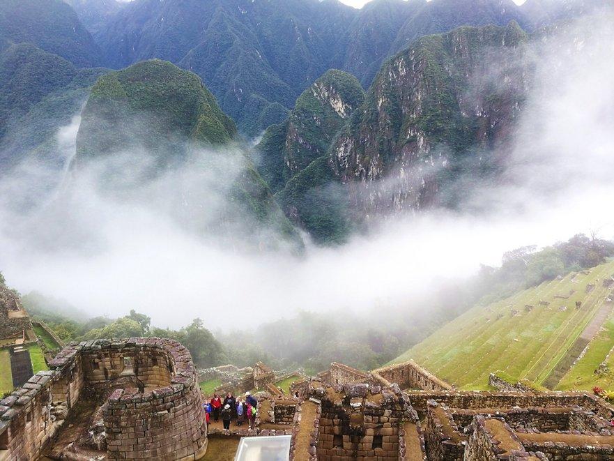 Machu Picchu, vechiul oraş incaş din Munţii Anzi, Peru, considerat una din cele şapte noi minuni ale lumii.