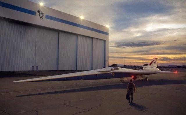 """Prototipul """"aeronavei X"""". Concernul de arme Lockhead Martin urmează să elaboreze pentru NASA o aeronavă, care să zboare cu o viteză de 1500 de kilometri pe oră, fără a produce vreun boom sonic"""