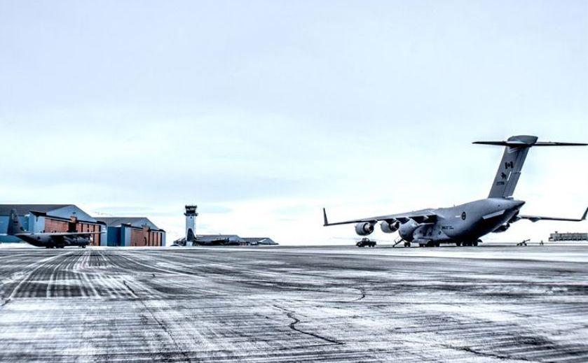 Baza aeriană americană Thule din Groenlanda