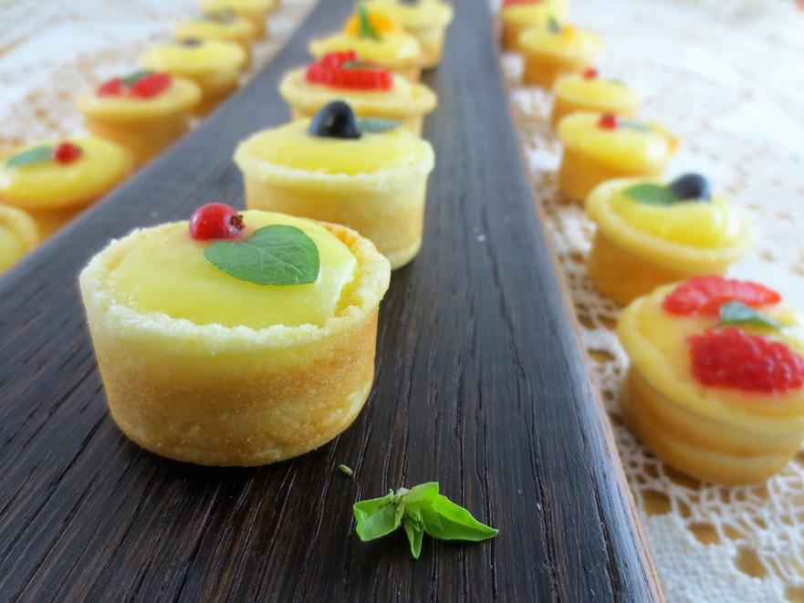Mini-tarte cu cremă de lămâie