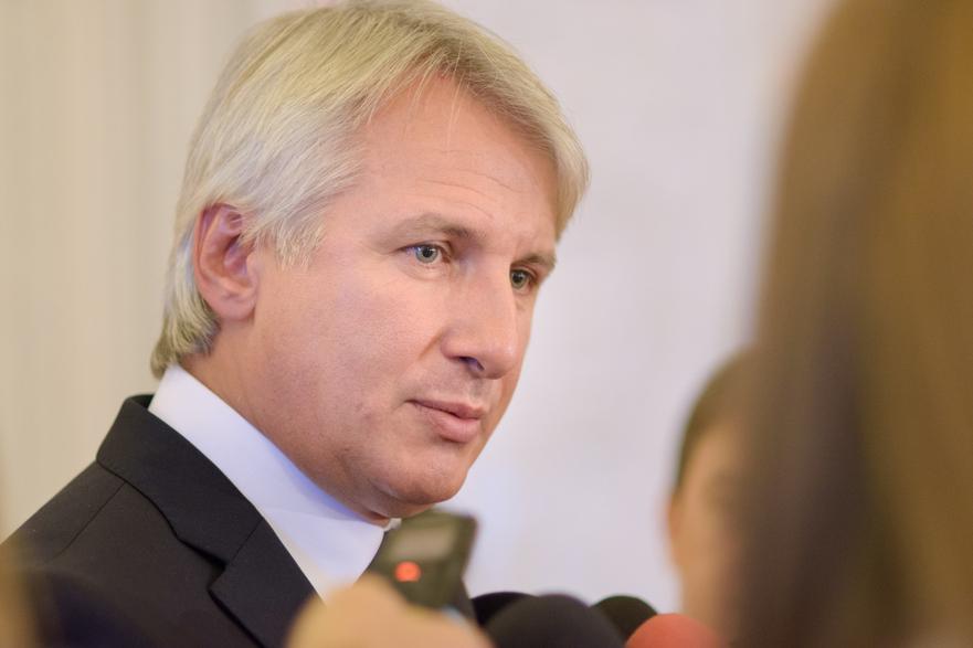 Eugen Teodorovici (Ministrul Finantelor Publice);