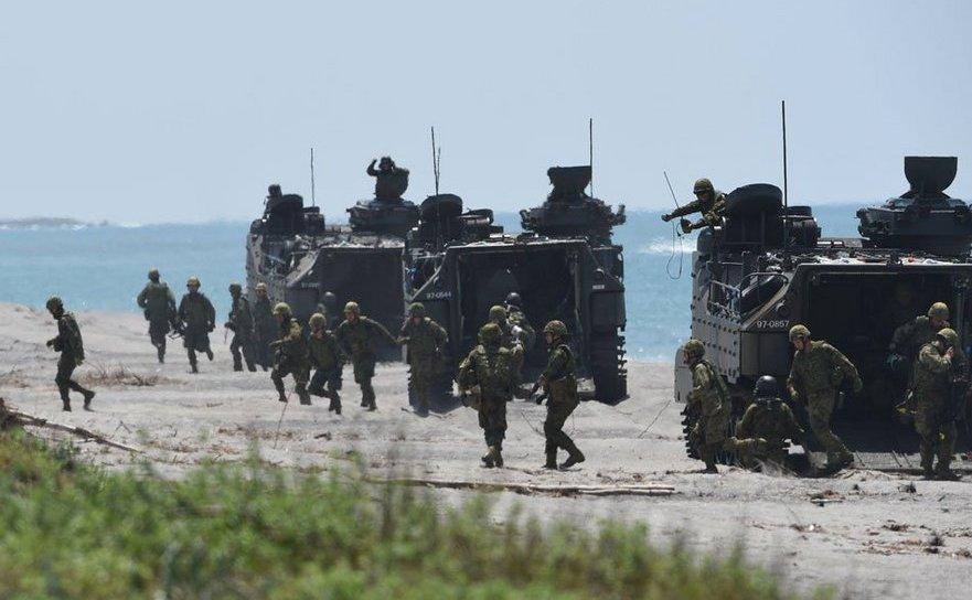 Soldaţi japonezi participă la un exerciţiu militar comun cu trupe americane şi filipineze în San Antonio, provincia filipineză Zambales, 6 octombrie 2018