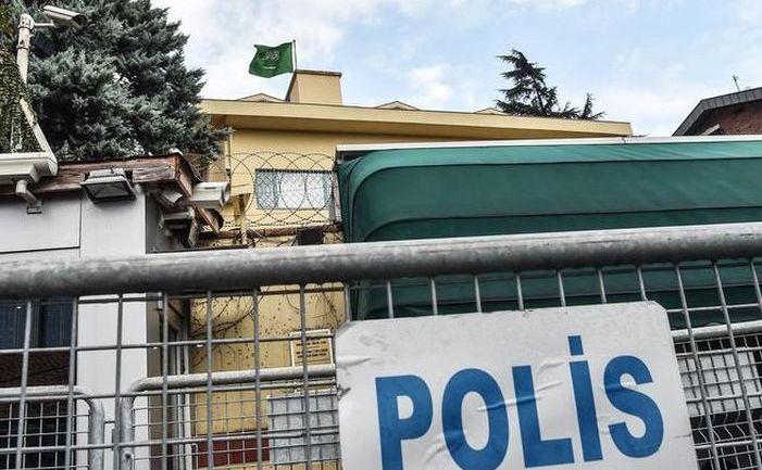 Barieră a poliţiei turceşti plasată la Consulatul saudit din Istanbul, 11 octombrie 2018