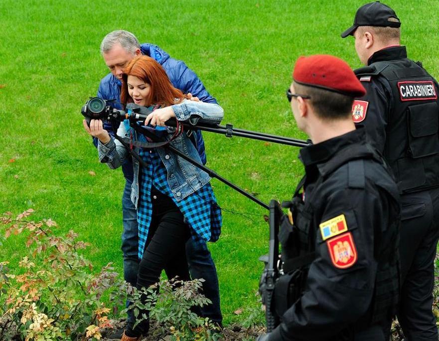 Viorica Tataru de la ZdG acostată de carabineri la mitingul PDM din 21.08.2018