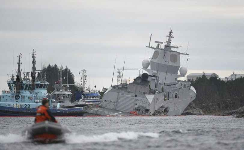 Fregata norvegiană KNM Helge Ingstad