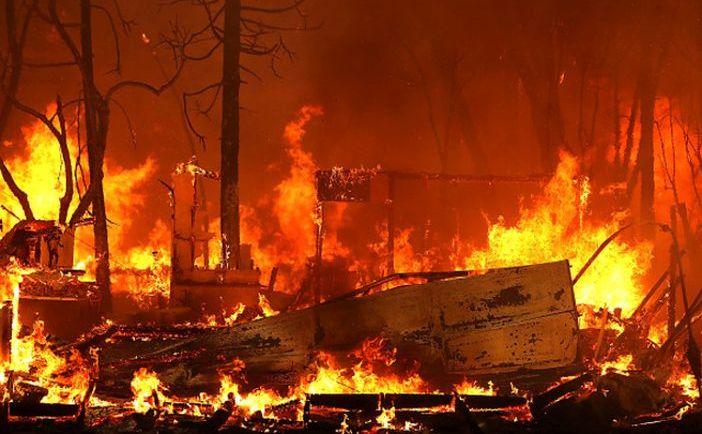 O locuinţă distrusă de incendiul Camp Fire în Magalia, statul american California, 9 noiembrie 2018