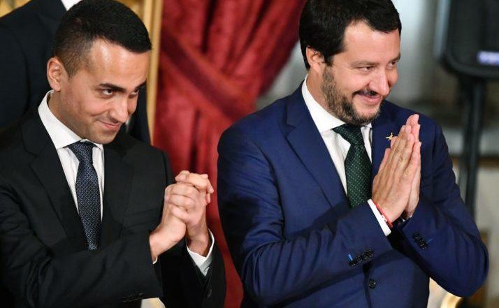 Luigi Di Maio (st) şi Matteo Salvini la Palatul Quirinal din Roma, Italia