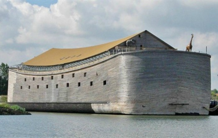 """""""Arca lui Noe"""" realizată de                   olandezul Johan Huibers"""