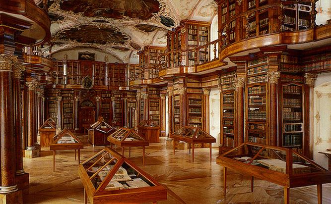 Biblioteca St.Gallen, Elvetia.