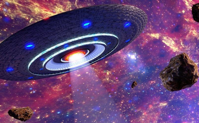 Unul dintre oamenii de ştiinţă ai NASA crede că fiinţele altor lumi au ajuns deja pe Terra.