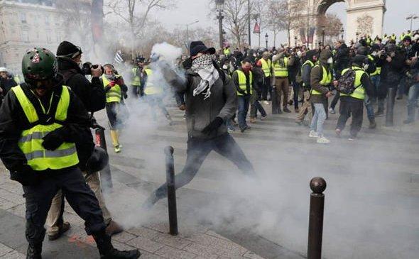Proteste în cadrul Actului IV la Paris