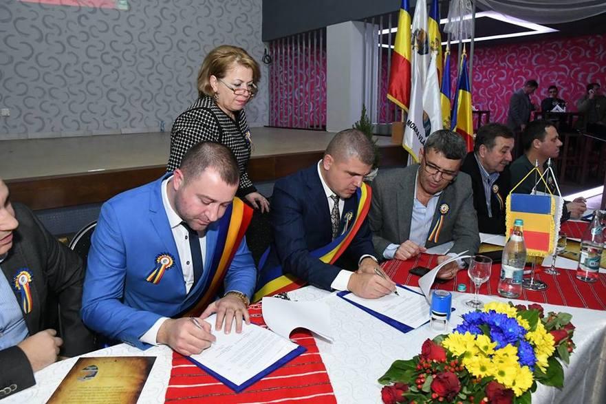 Semnarea unui acord de înfrăţirea unei localităţi din RM cu o localitate din România