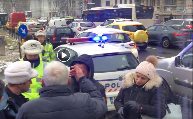 Timişorenii abordaţi de Poliţie la Universitate