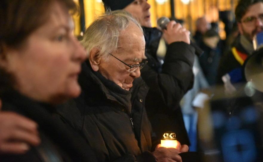 Mihail Şora, 101 ani, comemorând persoanele ucise la Revoluţie