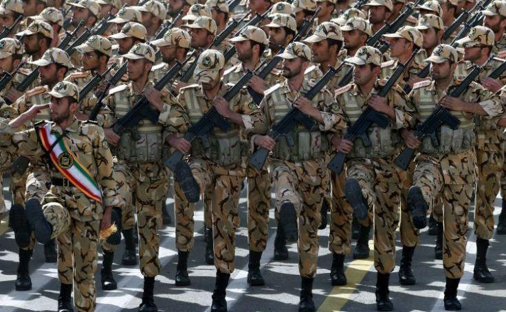 Soldaţi iranieni