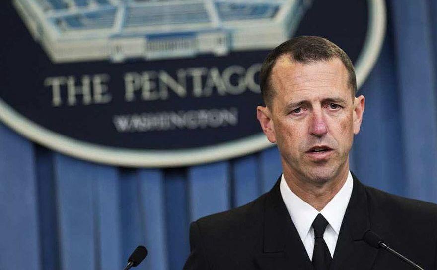 Amiralul John Richardson, şeful Operaţiunilor Maritime americane
