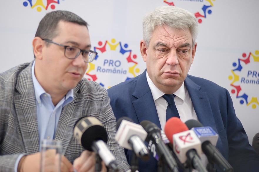Mihai Tudose alături de Victor Ponta (Pro România),