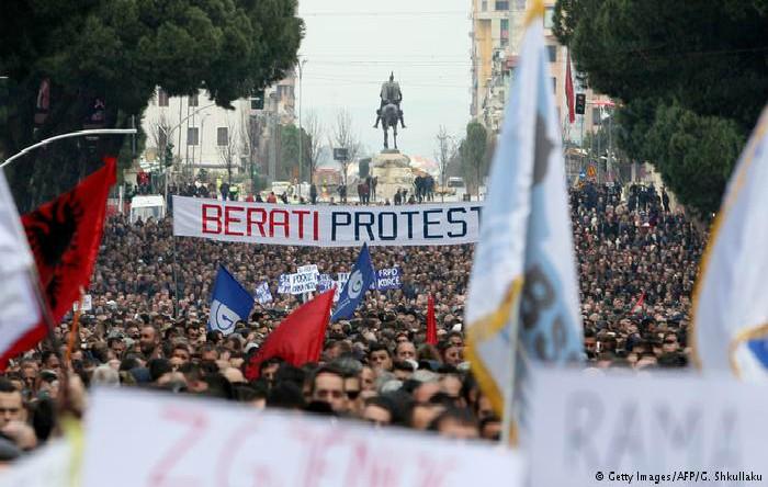 Protest în Tirana, Albania, 16 februarie 2019