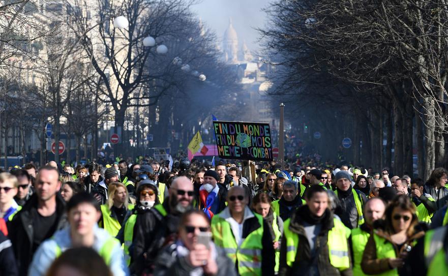 Protest al vestelor galbene în Paris, 16 februarie 2019