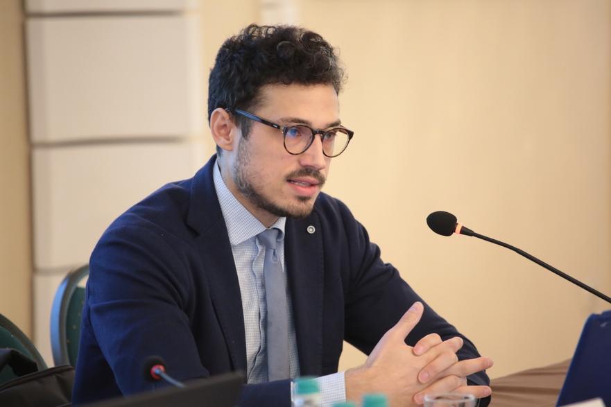 Dionis Cenuşă, analist politic de la Chişinău
