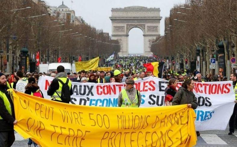 Protest al vestelor galbene la Arcul de Triumf din Paris, 9 martie 2019