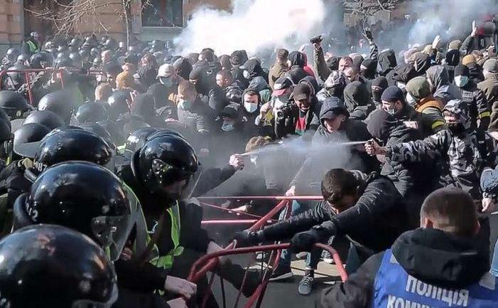 Ciocniri violente în Kiev între poliţie şi activişti de extremă dreapta, 9 martie 2019