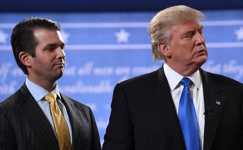 Preşedintele american Donald Trump (dr) şi fiul său Trump Jr.