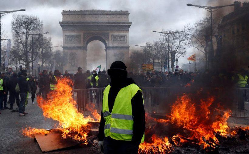 Protest violent al manifestanţilor vestele galbene în Paris, 16 martie 2019