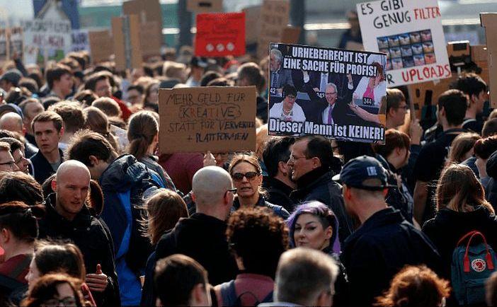 Manifestanţi germani protestează împotriva Directivei Copyright, 23 martie 2019
