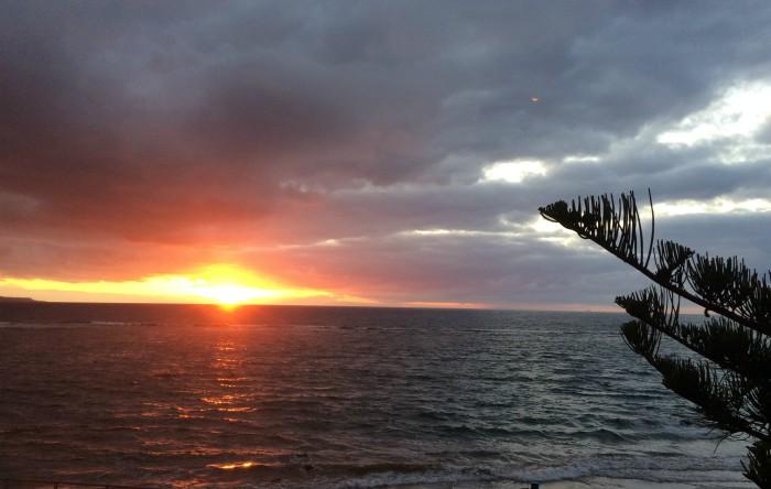 Soarele salută printre nori, Valle Gran Rey
