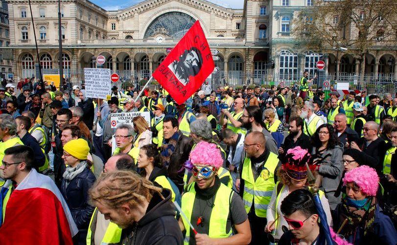 """Protest al manifestanţilor """"vestele galbene"""" în Paris, 30 martie 2019"""