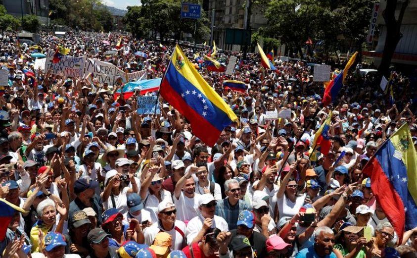 Protest al opoziţiei venezuelene în Caracas, Venezuela, 6 aprilie 2019