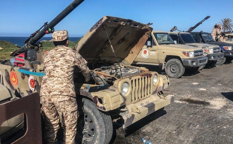 Forţe loiale guvernului libian susţinut de ONU sosesc în Tajura, o suburbie a capitalei Tripoli, 6 aprilie 2019
