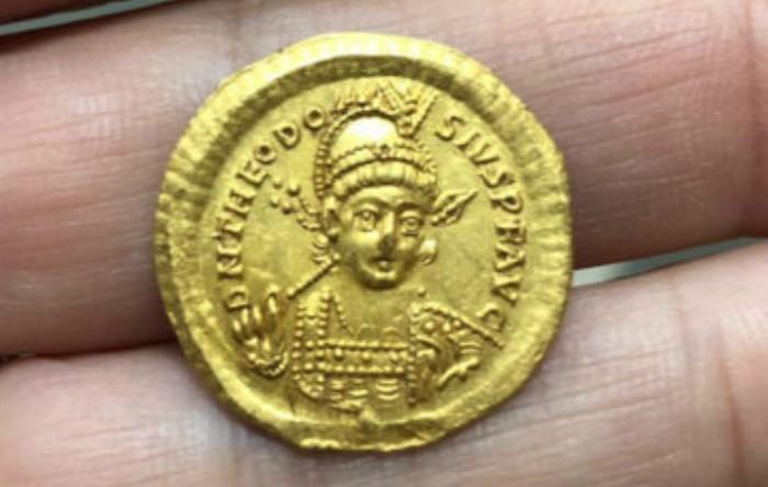 Monedă antică