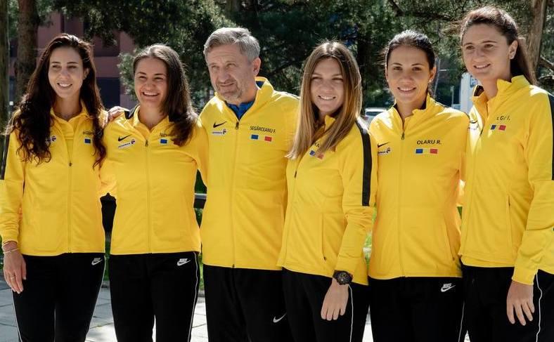 Echipa de Fed Cup a României - Simona Halep, Mihaela Buzărnescu,  Irina Begu, Monica Niculescu şi Raluca Olaru.