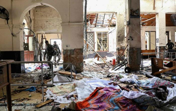 Sri Lanka, opt explozii în biserici şi hoteluri