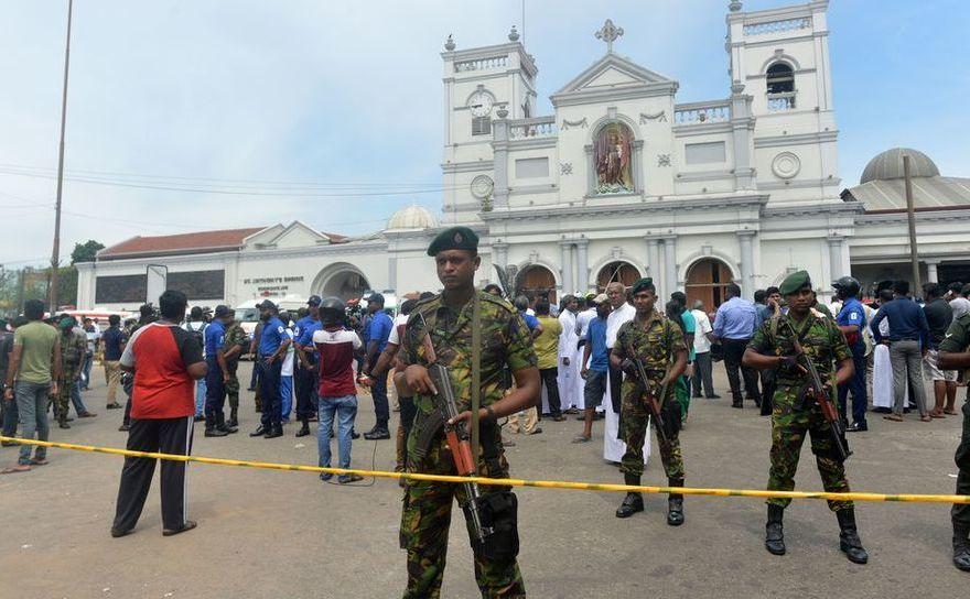 Forţe de securitate supraveghează Altarul Sfântul Anton din Colomb, Sri Lanka