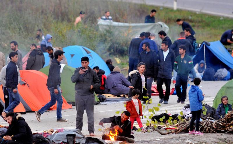 Tabără de imigranţi în apropierea punctului de frontieră Maljevac dintre Bosnia şi Croaţia, în apropierea oraşului bosniac Velika Kladusa, 24 octombrie 2018
