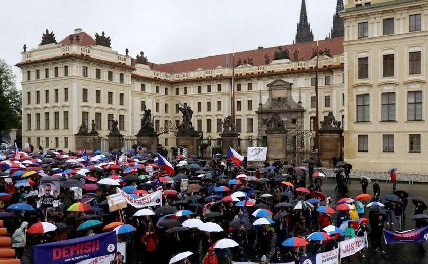 Protest în Praga împotriva numirii unui nou ministru al justiţiei apropiat de premierul ceh Andrej Babis, 29 aprilie 2019