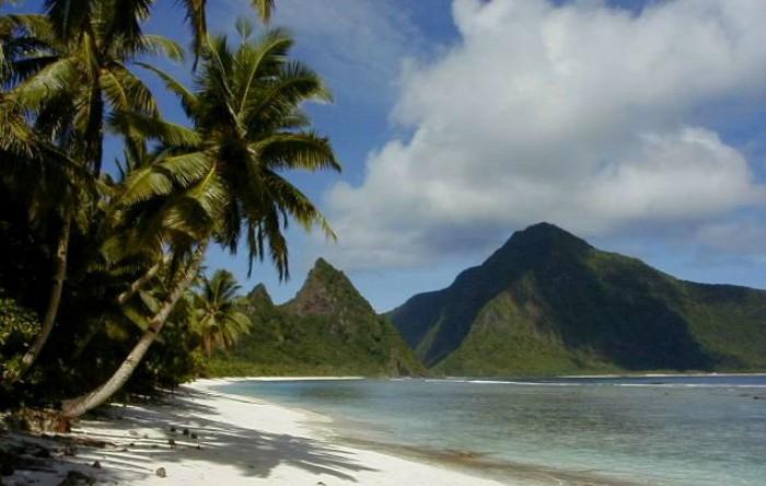 Plaja Ofu din Samoa Americană, în Ofu-Olosega
