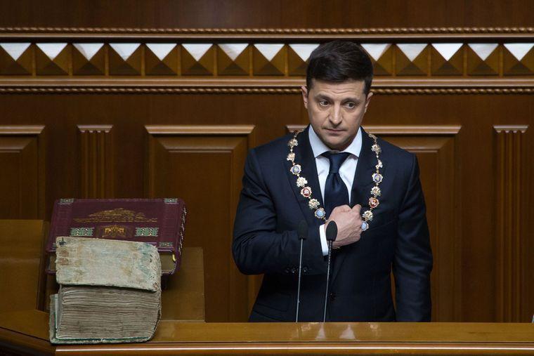 Vladimir Zelenski ţinând discursul de inaugurare în funcţia de preşedinte al Ucrainei