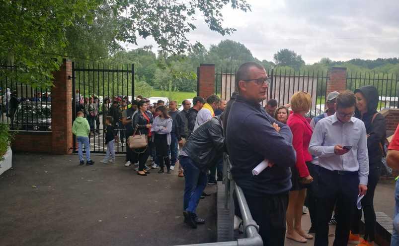 Coadă uriaşă la sectia de votare din Birmingham